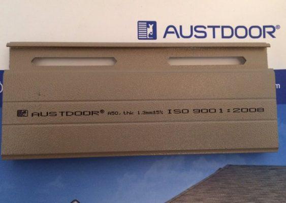 cửa cuốn khe thoáng Austdoor thế hệ mới A50 2