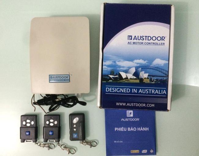 Khóa điều khiển remote cửa cuốn Austdoor